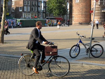 Pr2b_amsterdam_bicycle_suit1