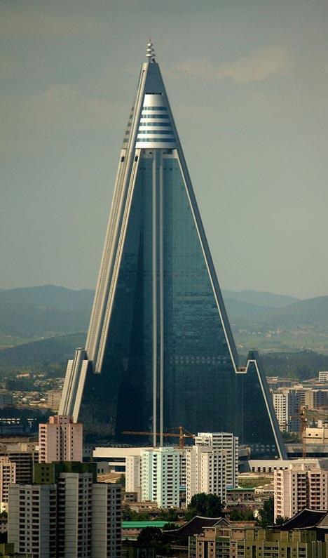 Dezeen_7_Ryugyong_Hotel